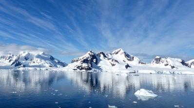 antarctica-1987579_640.jpg