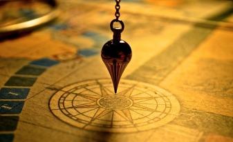 pendulum-1934311_640