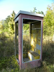 phone-booth-295795_640