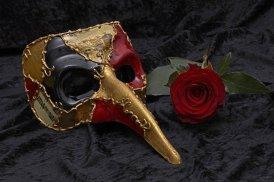 mask-2014556_640